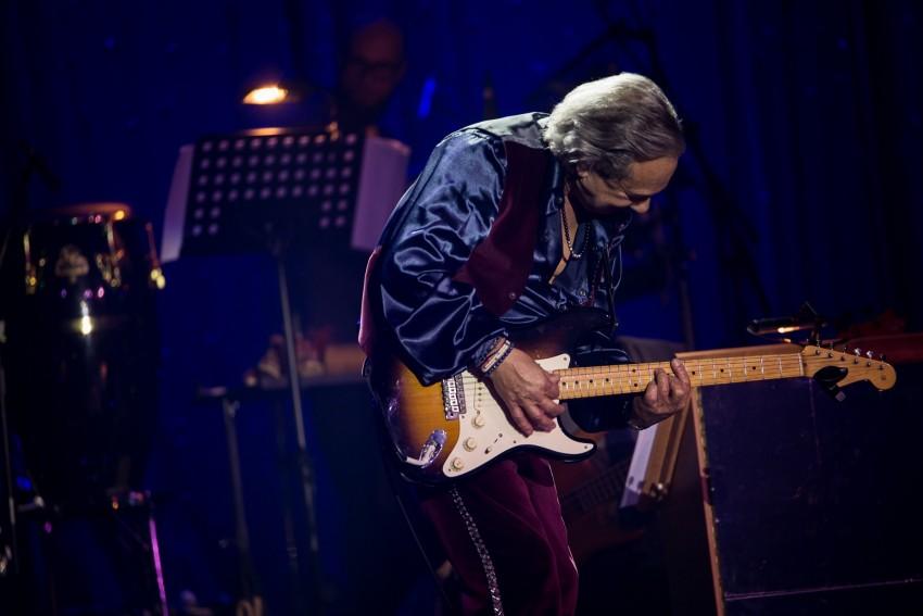 Ângelo Rodrigues surpreendeu os convidados ao tocar guitarra