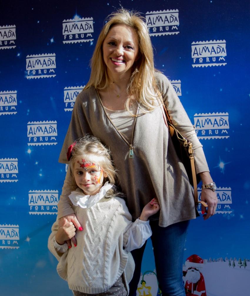 Alexandra Fernandes com a filha, Carolina