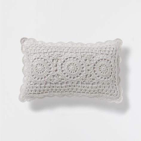 Almofada Linho Croche da Zara Home - 29,99 euros