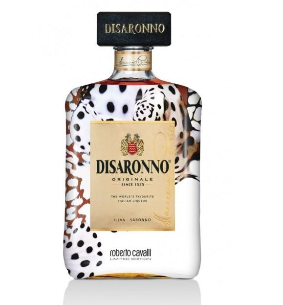 Disaronno wears Cavalli, edição limitada da garrafa do licor italiano amaretto desenhada por Roberto Cavalli  por 23,90 euros ou 29,90 euros (pack com dois copos).