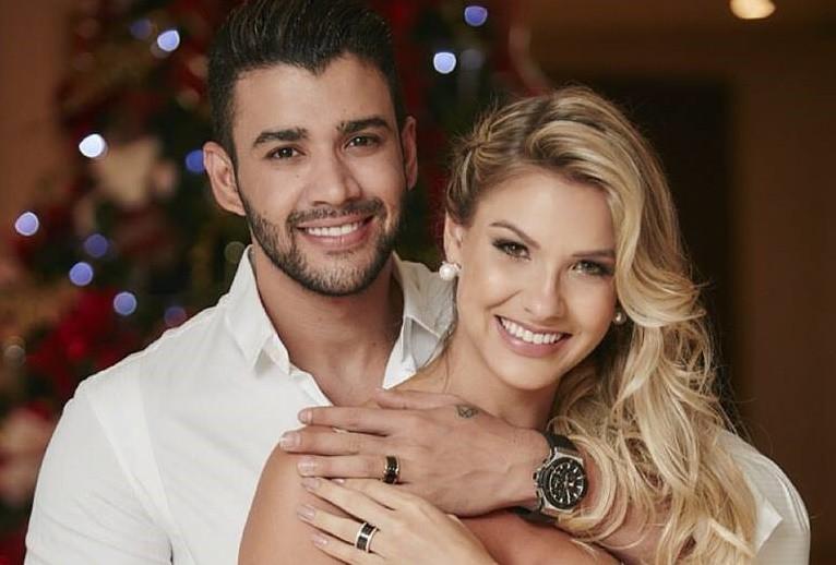 """Gusttavo Lima e Andressa Suita deram o """"nó"""" numa cerimónia civil, em dezembro."""