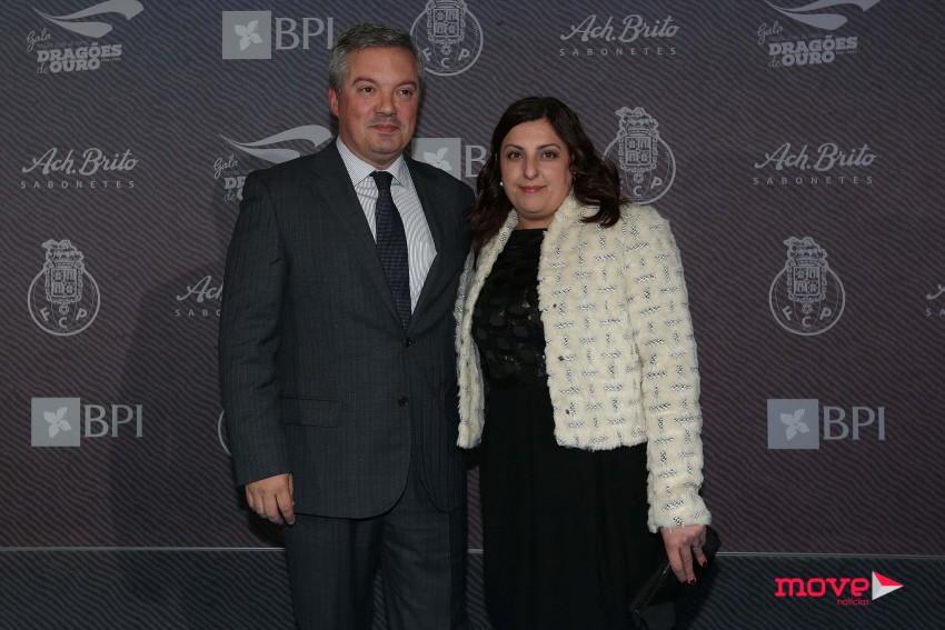 O presidente da câmara de Gaia, Eduardo Vítor Rodrigues, e a mulher, Elisa Rodrigues