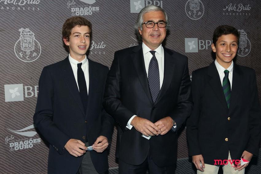 Aguiar Branco com o filho, João, e um amigo, João Lacha