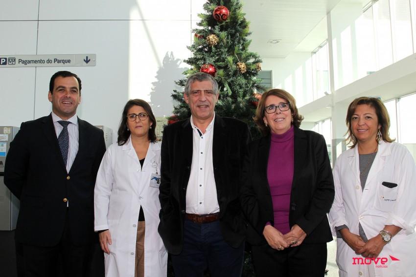 Vasco Antunes , administrador do hospital de Cascais, Isabel Pereira Lopes, diretora de enfermagem, Fernando Santos e Beatriz Esteves, vice-presidente da Liga Amigos do hospital de Cascais