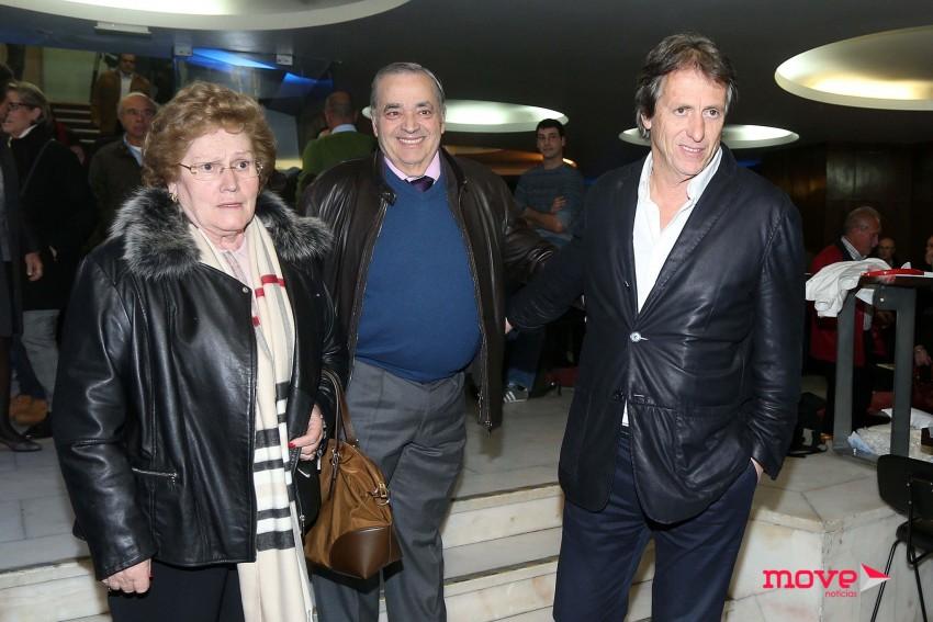 Evaristo Cardoso com a mulher, Graça, e Jorge Jesus