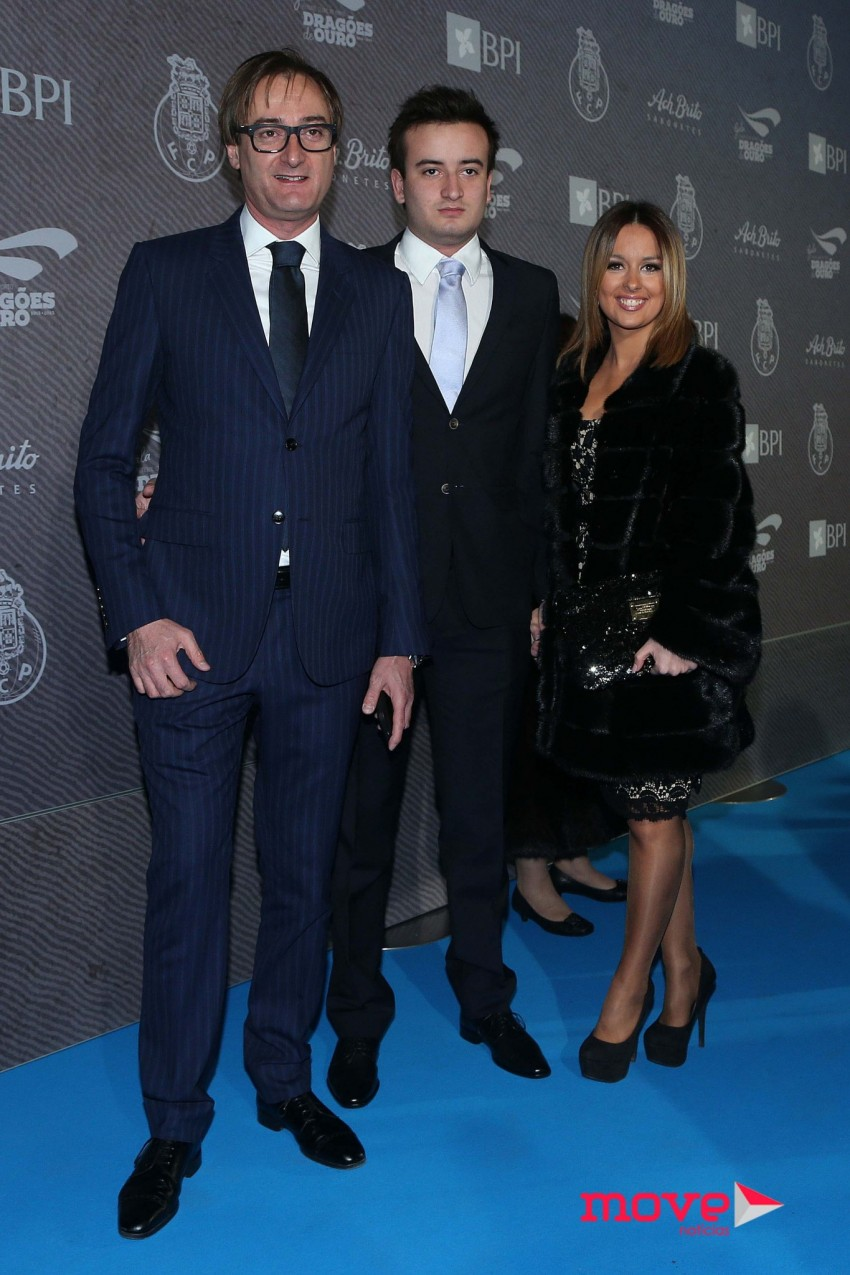 Alexandre Pinto da Costa com o filho, Alexandre, e a namorada deste, Diana Pereira