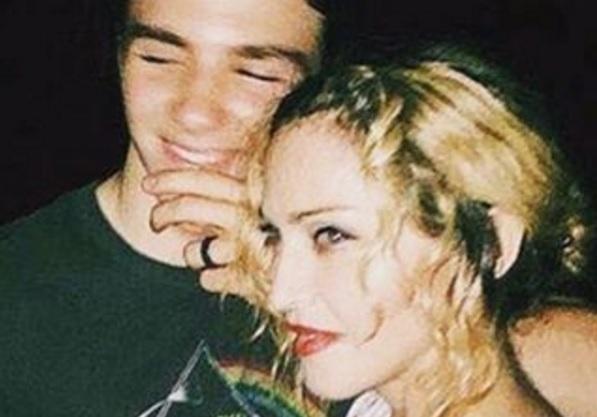 Madonna e o filho, Rocco