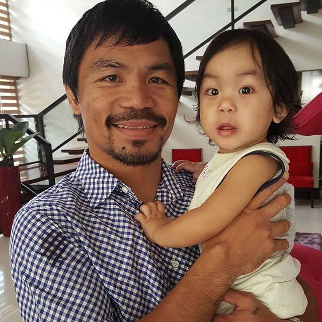 2. Manny Pacquiao com a filha