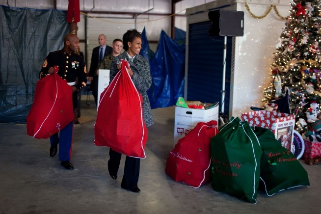A primeira-dama doou brinquedos em 2009