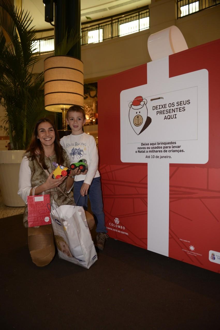 Sylvie Dias com o filho Afonso