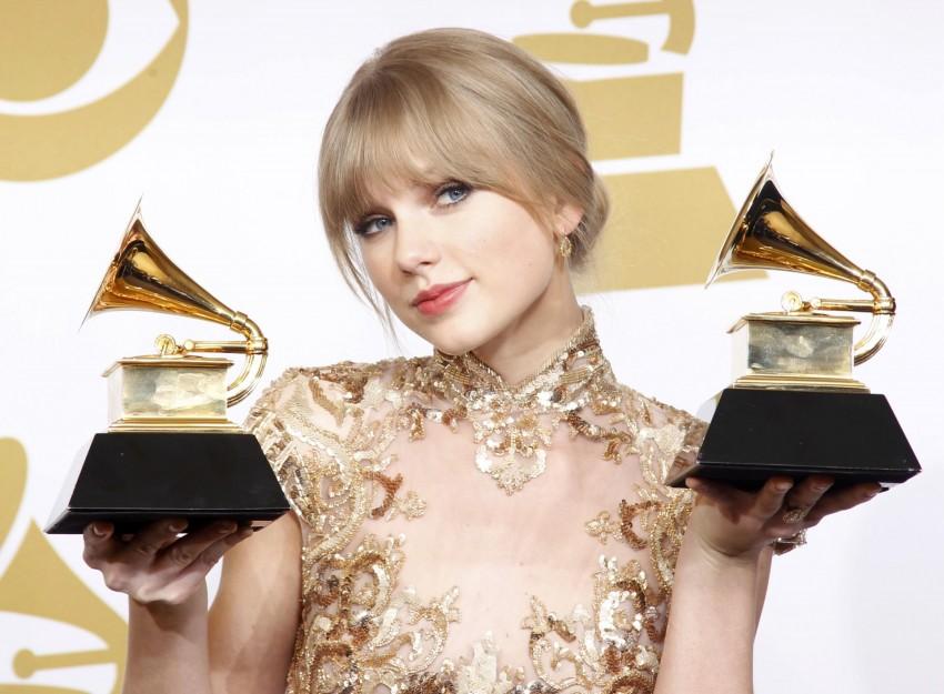 A cantora vê este número de forma positiva tendo em conta que nasceu no dia 13 de dezembro e que o seu primeiro disco chegou ao top, nas 13 primeiras semanas de vendas.