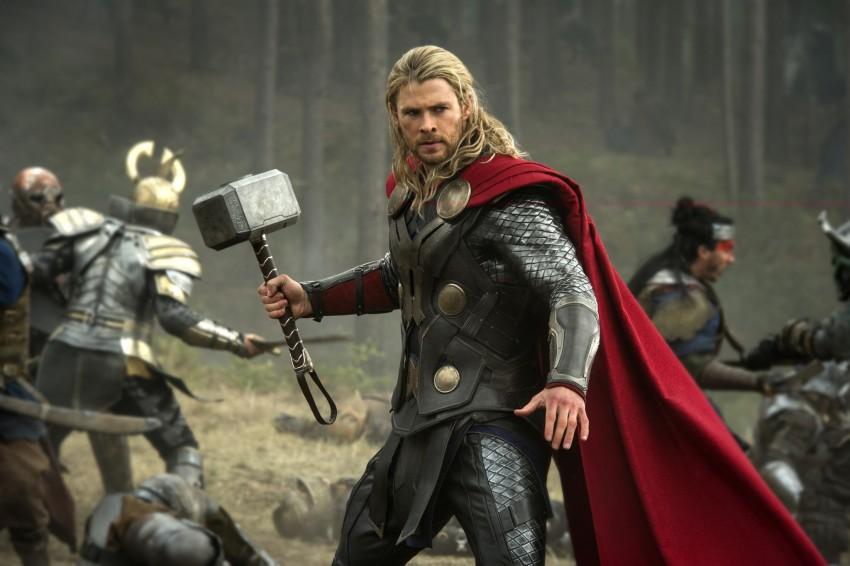 """Filme """"Thor - O Mundo das Trevas"""", dia 24 de dezembro, às 23h15, na SIC."""