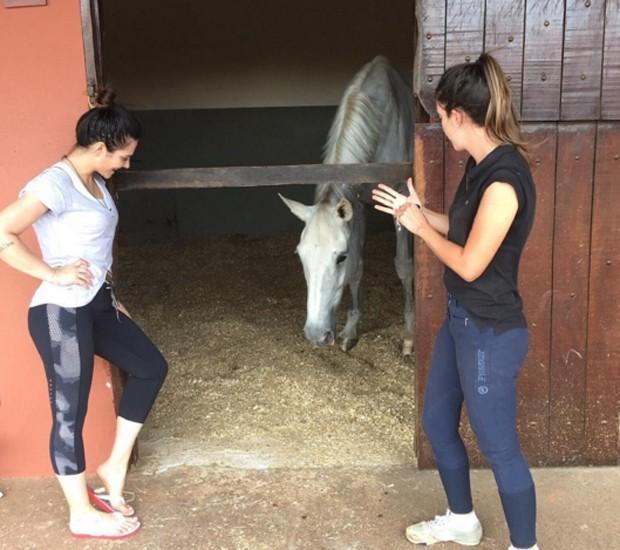 A atriz com a irmã, Krizia