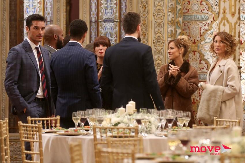 Parte do elenco esteve a gravar no Palácio da Bolsa, no Porto