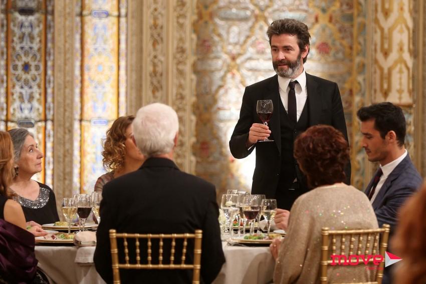 João Reis faz um brinde aos noivos