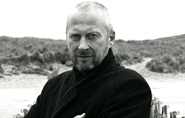 Morre Colin Vearncombe, conhecido como Black e voz de 'Wonderful Life'