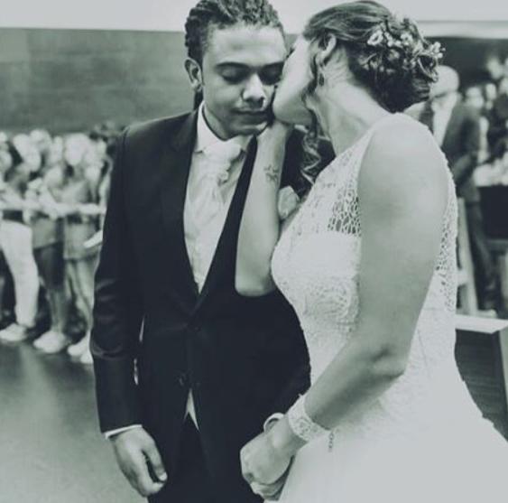 Jimmy P. assinalou a data ao partilhar uma foto do dia do seu casamento.