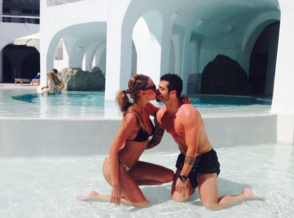O futebolista Vieirinha desejou um Feliz Dia de S. Valentim com uma romântica foto.