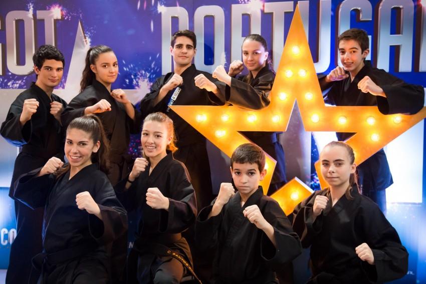 A academia Stat Artes Marciais foi fundada há seis anos pelo mestre Pedro Tanger e foi a partir dessa academia que foi criado este grupo. João, o instrutor, já faz artes marciais há dez anos, mas a maioria dos elementos só começaram há cinco anos. Este grupo é composto por alguns campeões europeus e mundiais em Taekwondo, Xtreme Martial Arts (XMA) e Kung-Fu. Acham que o Got Talent Portugal é a oportunidade de mostrarem o trabalho feito pela academia e uma modalidade nova das artes marciais