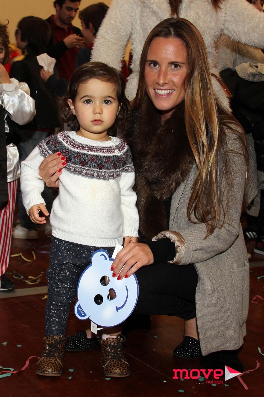A namorada de Simão Morgado, Sara Biscaia Fraga, com a filha de ambos, Rosarinhoa