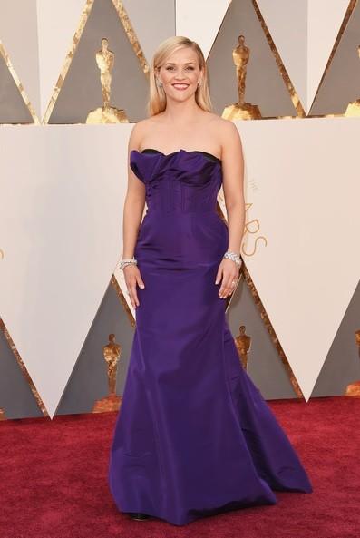 Reese Whiterspoon (Oscar de la Renta)
