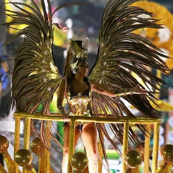 Rafaella Santos