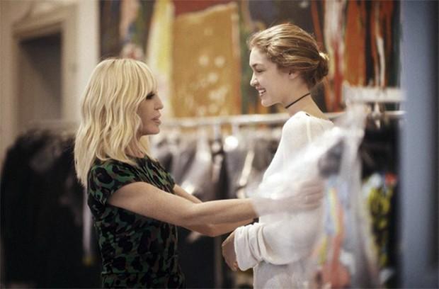 A estilista com Gigi
