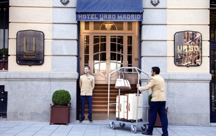 URSO (Madrid, Espanha) URSO  é  hoje  um  hotel  de  luxo,  mas  foi  outrora  um  palácio.  Atualmente  mantém  a  sua  elegância neo-clássica, e promete uma estadia digna de realeza.