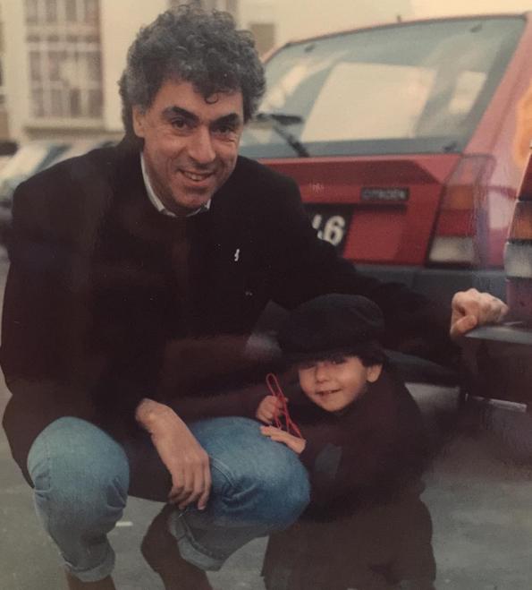 Agir partilhou uma foto de infância com o pai, Paulo de Carvalho