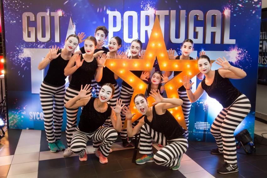 Todos os membros do grupo 80 Wheels conheceram-se na patinagem. Juntaram-se para participar no Got Talent Portugal. Enquanto grupo consideram-se diferentes porque aliam  dança, teatro, patinagem e expressão corporal.