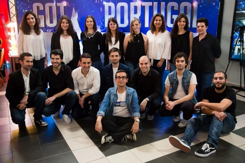 Os ContraPonto começaram por cantar juntos na academia de música de Viana do Castelo. Depois acabaram por formar um grupo com vários estilos: pop, jazz e clássico. Não querem viver desde talentos. Acham que é um complemento agradável face às profissões que têm.