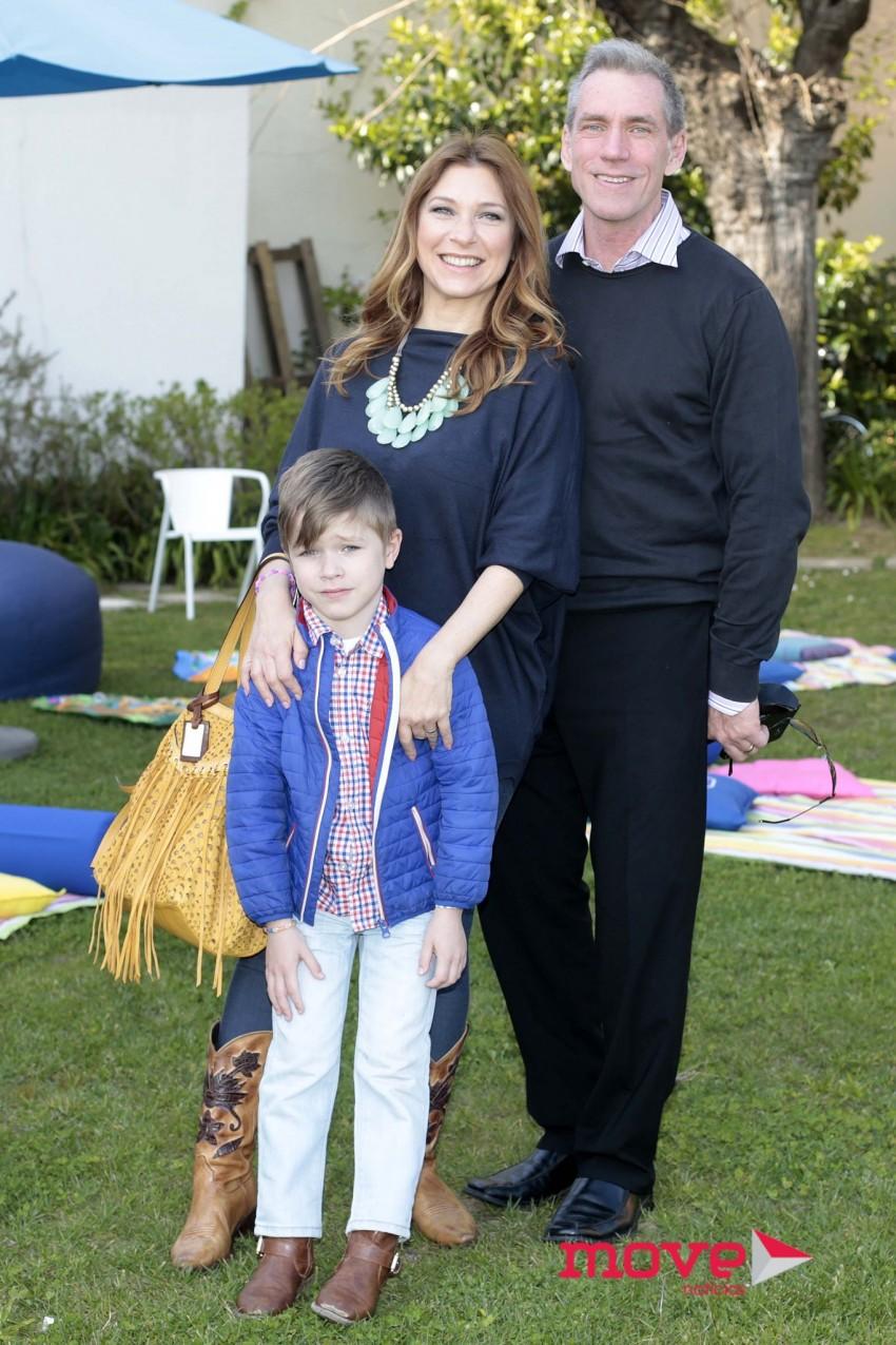 Adelaide de Sousa e Tracy Richardson com o filho, Kyle