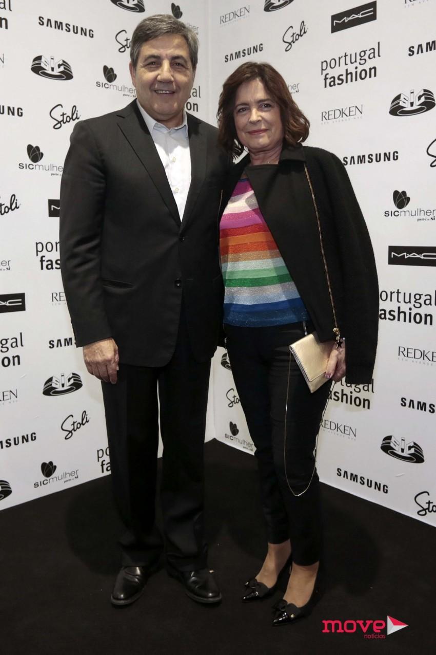 O presidente da Federação Portuguesa de Futebol, Fernando Gomes, e a mulher