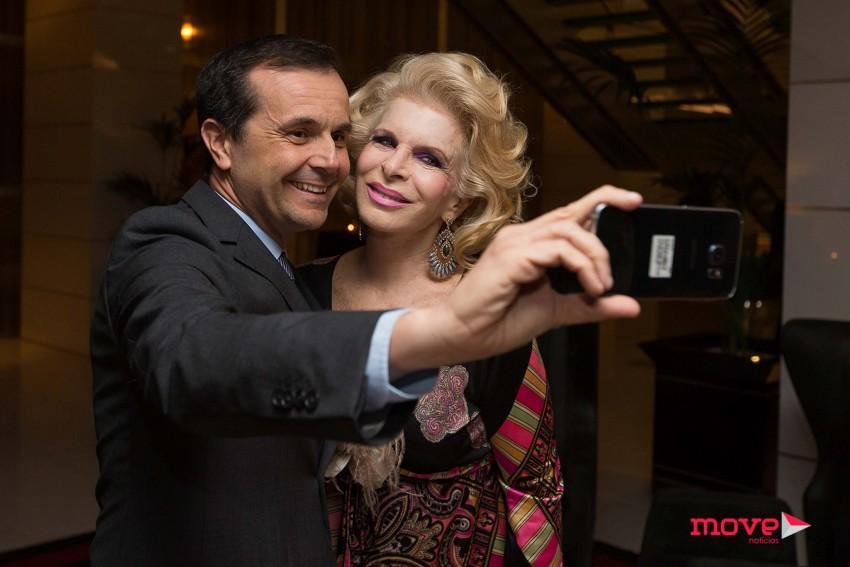 Jorge Gabriel com Lili Caneças na gala da Liga Rainha Maria Pia