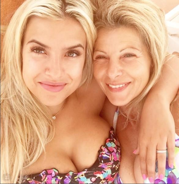 Marisa com a mãe, Fernanda Farinha