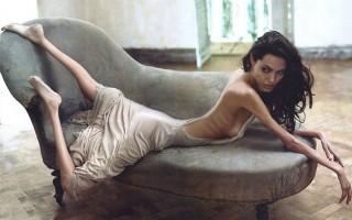 AngelinaJolie_Anorexia