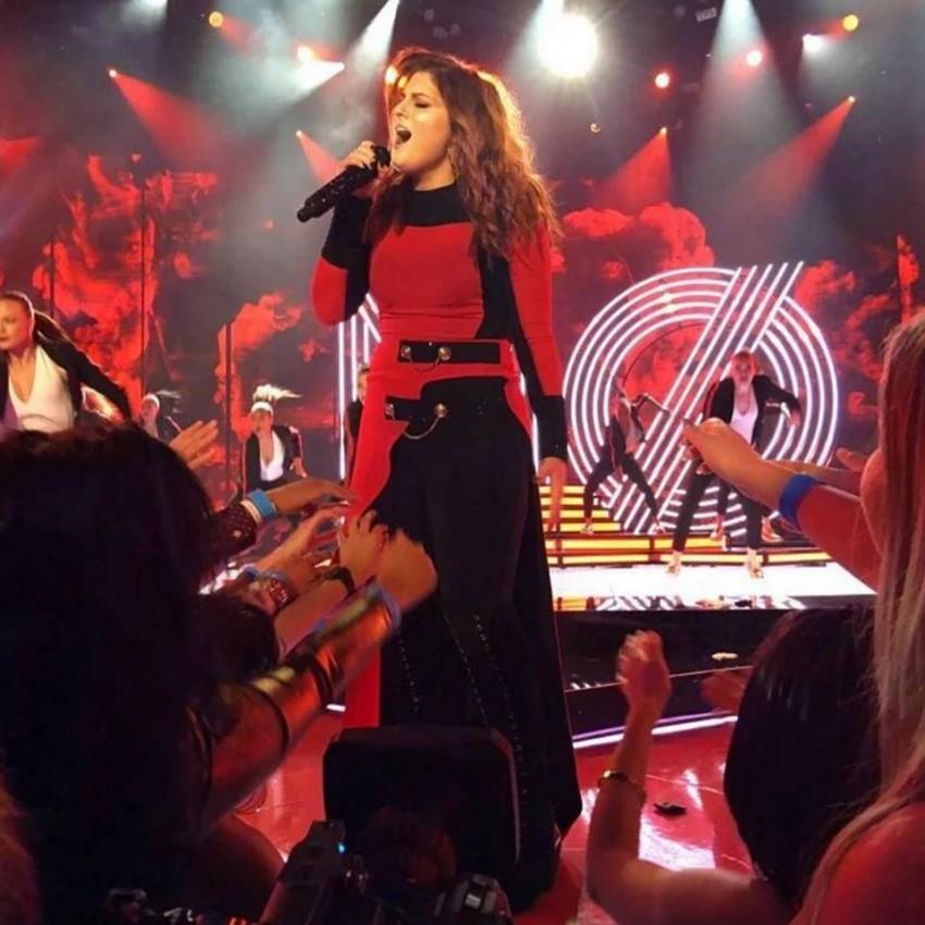 A cantora em concerto