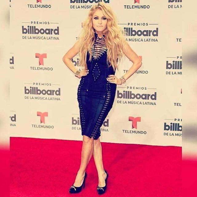 Paulina Rubio encantou no palco e na passadeira