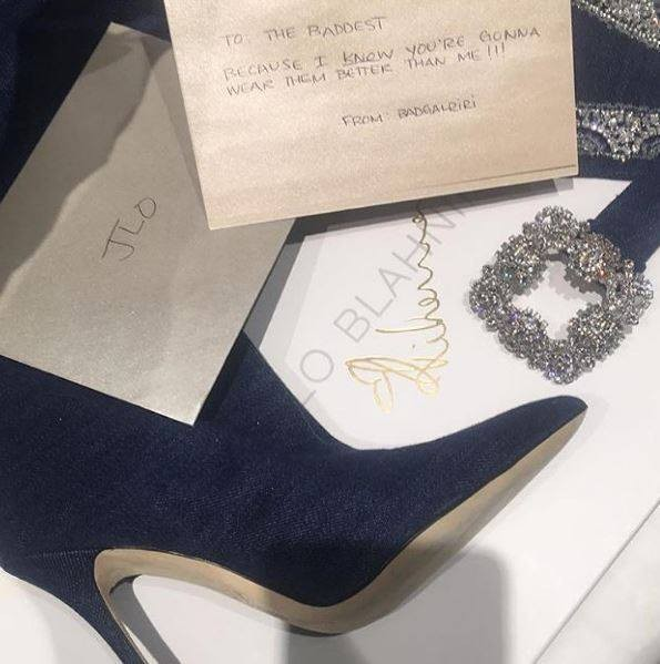 O presente que Rihanna enviou a Jennifer Lopez