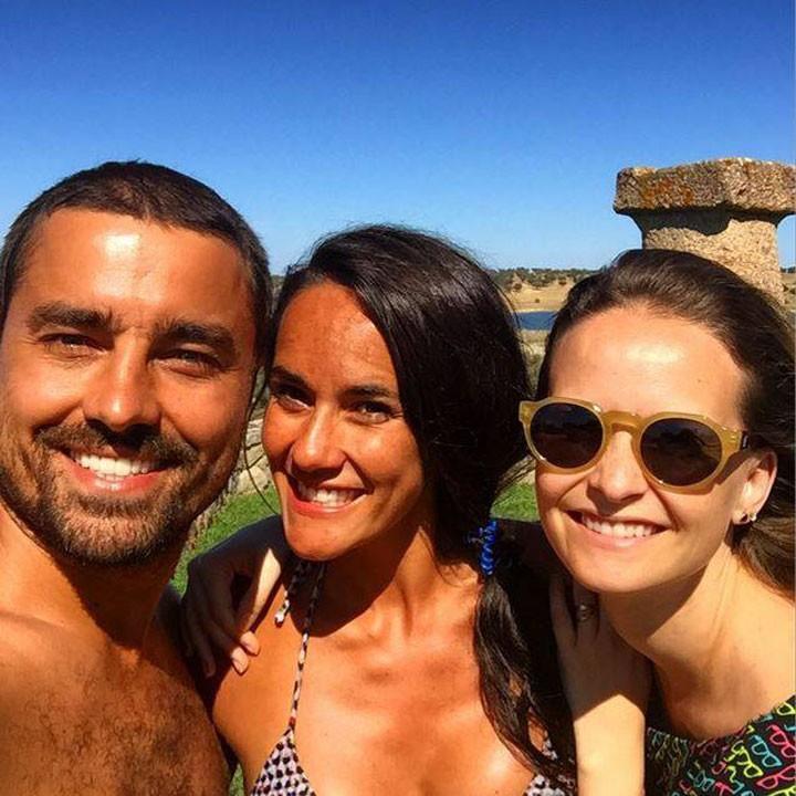 O casal é amigo de longa data da atriz Fernanda Rodrigues