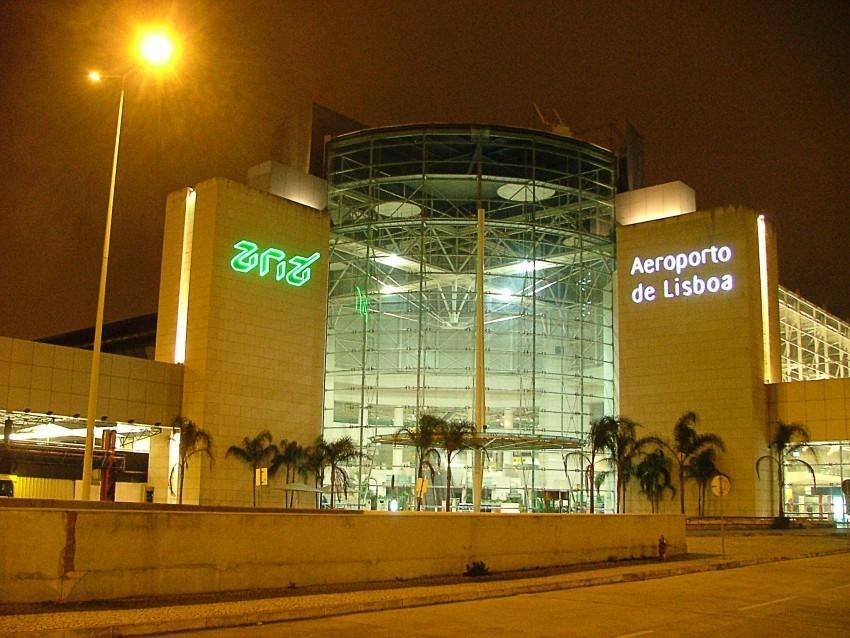 Airport_Lisbon_a