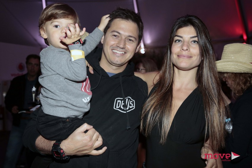 Joana Balanger com o filho, Martim, e o marido Paulo