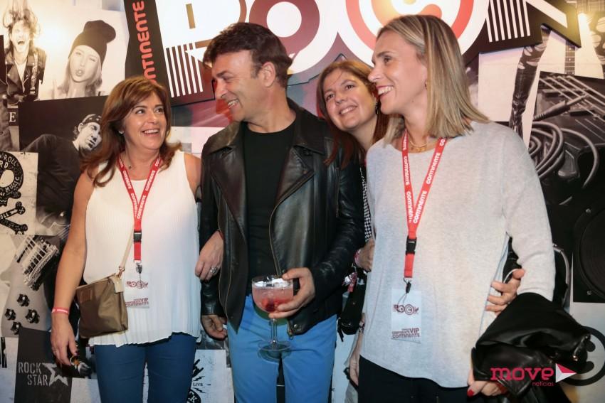 Tony Carreira com fãs
