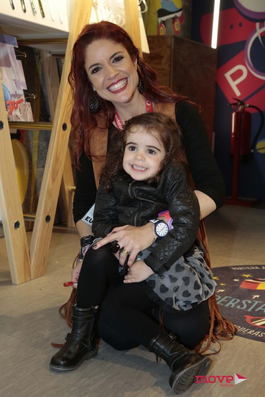 Roberta Medina com a filha, Lua