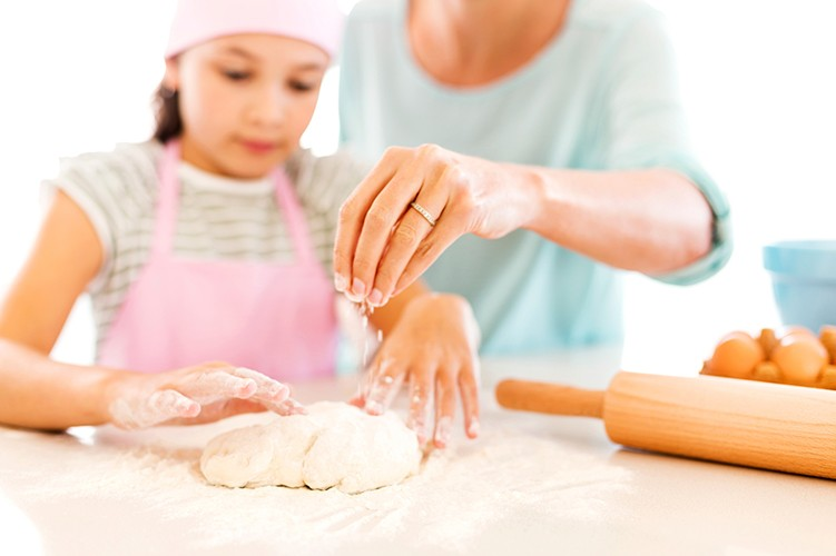baking-bread-with-kids