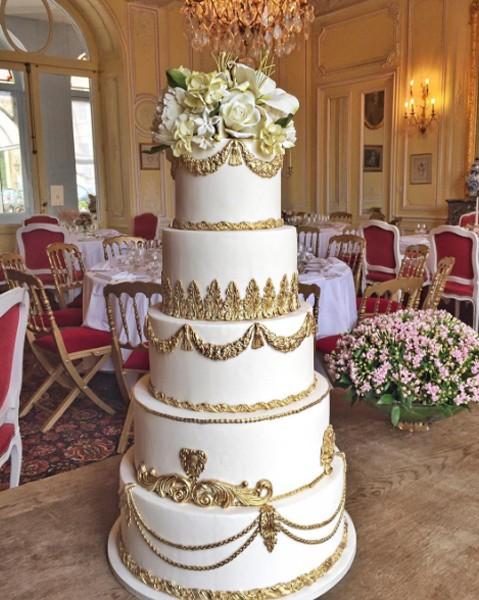 O belo bolo de casamento causou impacto