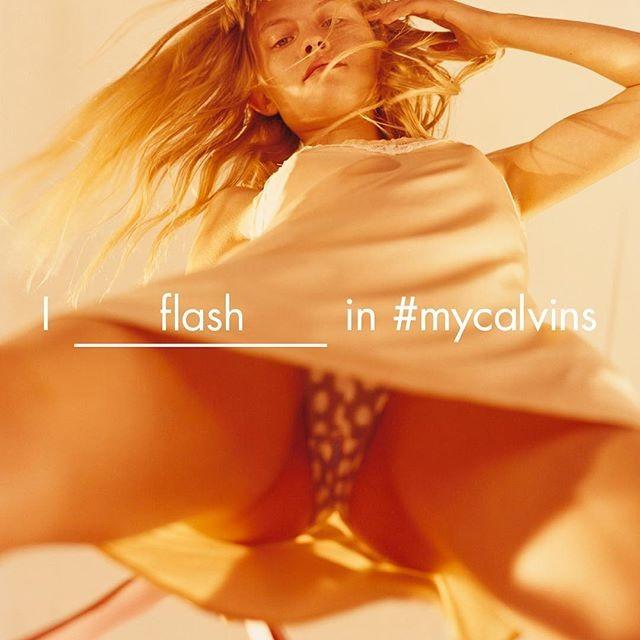 Klara Kristin ousada na Calvin Klein