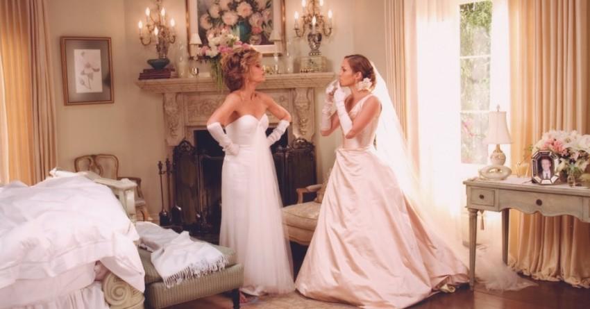 """Jennifer Lopez é uma noiva no filme """"A sogra"""" de 2005"""