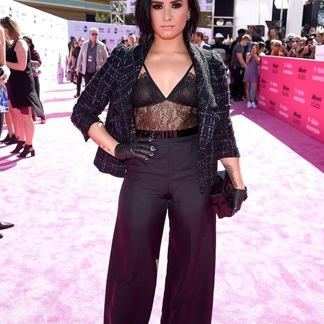 Demi Lovato sempre com classe