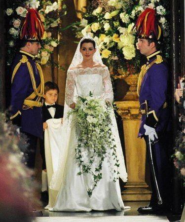 Anne Hathaway, em O diário de uma princesa 2